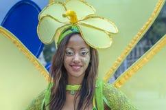 De jonge vrouw kleedde zich als bloem Royalty-vrije Stock Foto