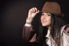 De jonge vrouw stelt Royalty-vrije Stock Foto