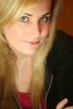 De Jonge Vrouw van de blonde Stock Afbeeldingen