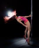 De jonge vrouw van de pooldans Royalty-vrije Stock Foto