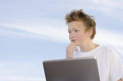 De jongelui denkt over Stock Foto's