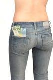 De jongelui werpt vrouw in jeans 3 omver. Royalty-vrije Stock Fotografie