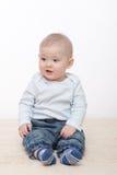De jongen van de baby zit Stock Foto