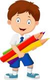 De jongen die van de beeldverhaalschool kleurrijke potloden houden Stock Foto