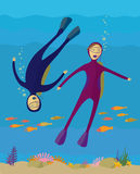 De jongen en het meisje duiken onder water Stock Foto's