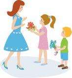 De jongen en het meisje maken voorstellen voor moeder Stock Afbeeldingen