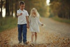 de jongen en het meisje van het liefdeverhaal Royalty-vrije Stock Afbeelding