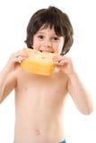 De jongen met een kaas stock fotografie