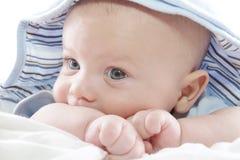 De Jongen van de baby in Blauwe Hoodie Stock Fotografie