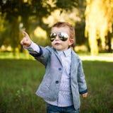 De jongen van de baby in het park Royalty-vrije Stock Foto's