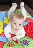 De jongen van de baby op speldeken Royalty-vrije Stock Foto