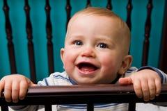 De jongen van de baby in voederbak Royalty-vrije Stock Foto's