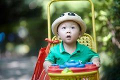 De jongen van de de zomerbaby stock foto