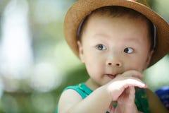 De jongen van de de zomerbaby stock afbeeldingen