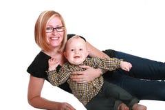 Moeder en babyjongen stock afbeelding