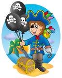 De jongen van de piraat met ballons op strand Stock Afbeeldingen