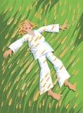 De jongen van het dorp geniet de zomer van tijd Stock Foto's