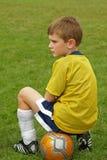 De jongen van het voetbal Stock Fotografie