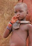 De jongen van Himba, Namibië Royalty-vrije Stock Afbeeldingen