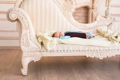 De jongensslaap van de zuigelingsbaby Royalty-vrije Stock Foto's