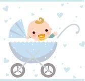 De jongenszitting van de baby in vervoer Stock Foto's