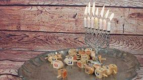 De Joodse creatieve achtergrond van de vakantiechanoeka met menorah Mening van bovengenoemde nadruk  stock video