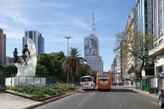 9 de julho avenida em Buenos Aires, Argentina Imagem de Stock Royalty Free