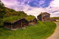 29 de julho de 2015: Casas rurais norueguesas tradicionais no ai aberto Fotografia de Stock Royalty Free