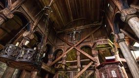 24 de julio de 2015: Detalles dentro de Urnes Stave Church, sitio de la UNESCO, i Fotos de archivo libres de regalías