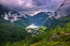 24 de julio de 2015: Geirangerfjord, sitio del patrimonio mundial, Noruega Fotos de archivo libres de regalías