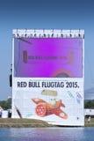 26 DE JULIO DE 2015 MOSCÚ: Día rojo del flugtag del toro Foto de archivo libre de regalías