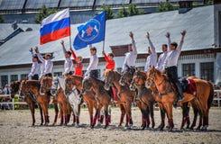 25 de julio de 2015 Presentación ceremonial de la escuela de montar a caballo del Kremlin en VDNH en Moscú Foto de archivo