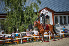 25 de julio de 2015 Presentación ceremonial de la escuela de montar a caballo del Kremlin en VDNH en Moscú Imagen de archivo libre de regalías