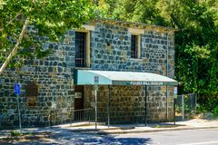 30 de julio de 2018 Los Gatos/CA/los E.E.U.U. - entrada a Forbes Mill Museum situado en los restos de Forbes Flour Mill histórico foto de archivo libre de regalías