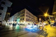 12 de julio de 2017 - Polonia, Kraków Plaza del mercado en la noche La tubería Fotografía de archivo libre de regalías