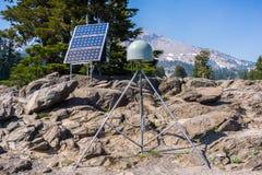 24 de junho de 2018 angra do moinho/CA/EUA - estação de observação do limite de placa situada no parque nacional vulcânico de Las fotos de stock royalty free