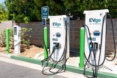20 de junio de 2019 Cupertino/CA/los E.E.U.U. - estación de carga de EVgo situada en un estacionamiento en área de la Bahía de Sa fotos de archivo libres de regalías