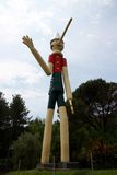 9 de junio de 2015; Collodi, Italia; el Pinocchio de madera más alto en el mundo en Collodi, Toscana Foto de archivo libre de regalías