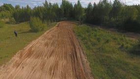 10 de junio de 2018 Federación Rusa, región de Bryansk, Ivot - deportes extremos, motocrós a campo través Tiroteo con imágenes de archivo libres de regalías