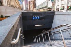 22 de junio de 2017 la nueva entrada del subterráneo de A acaba de abrirse en el oeste 33ro Stre Imagenes de archivo