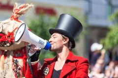 12 de junio de 2018, RUSIA, VORONEZH: Desfile de los teatros de la calle Festival platónico internacional fotos de archivo