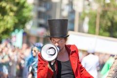 12 de junio de 2018, RUSIA, VORONEZH: Desfile de los teatros de la calle Festival platónico internacional imagen de archivo libre de regalías