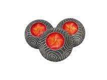 De kaars van de aromaflora in houten met zilveren kandelaar Stock Foto's
