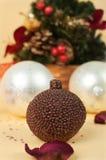 De kaars van de chocolade met Kerstmisachtergrond Royalty-vrije Stock Foto