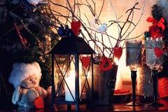 De kaars van het de valentijnskaarthart van het wijnflessenglas Royalty-vrije Stock Afbeeldingen