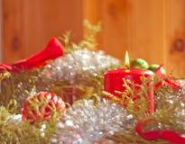 De kaars van Kerstmis het branden binnen een kroon Royalty-vrije Stock Fotografie