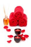 De kaarsen en de handdoeken van het kuuroord Royalty-vrije Stock Foto
