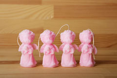 De kaarsen van de herinneringsgift in de vorm van engelen Royalty-vrije Stock Foto's