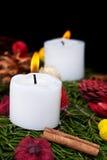 De kaarsen van Kerstmis op komstkroon Royalty-vrije Stock Fotografie