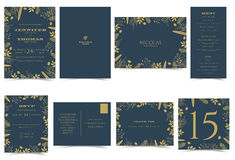 De kaart Formele stijl van de huwelijksuitnodiging Donkerblauw en Goldtone Stock Foto